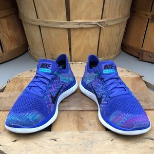 Nike Shoes - Nike Free 4.0 FlyKnit Running Shoes